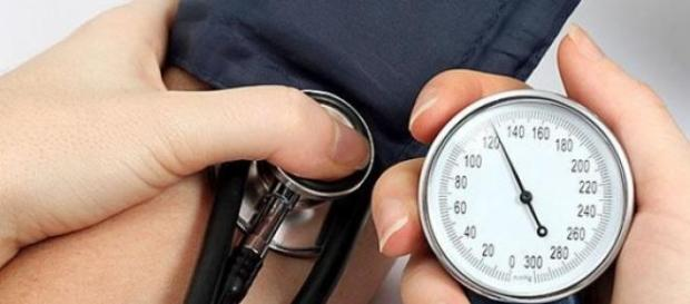 cauze ale hipertensiunii arteriale
