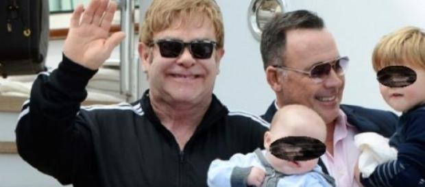 Elton John y su marido son padres de dos niños