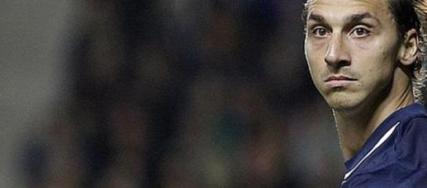 Ibrahimovic pede desculpas à França