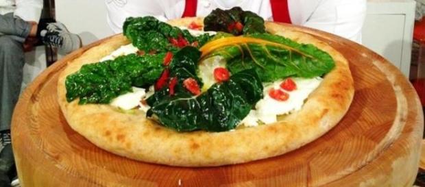 Pizza con verdure di stagione