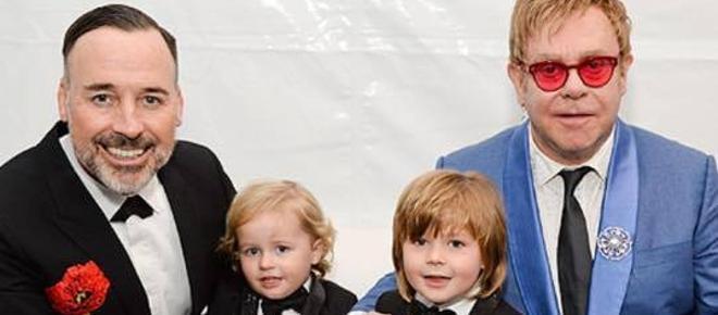 Elton John, homossexual e pai de 2 filhos com recurso a fertilização in vitro, protestou nas redes sociais contra a posição conservadora assumida pelos estilistas italianos Domenico Dolce e Stefano Gabbana numa entrevista recente.