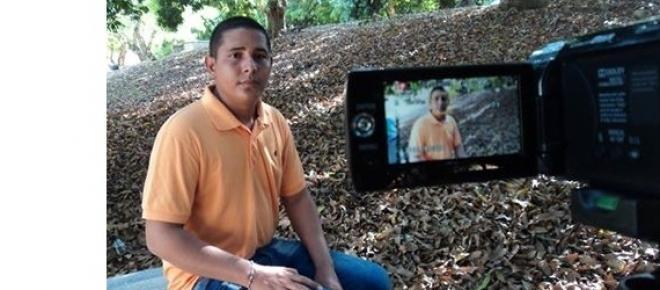 Eder Narvaez Sierra, periodista colombiano. Afirma que en en Bajo Cauca no existen garantías para ejercer la profesión.