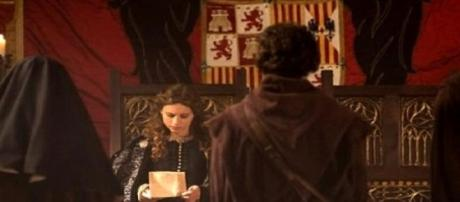 Julián se reencuentra con la reina Isabel