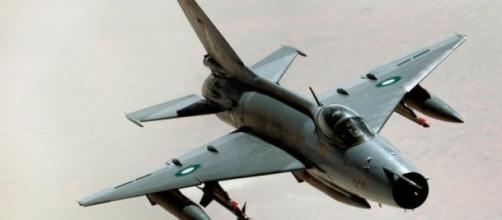 Caça J-7, cópia chinesa do MiG-21 soviético.