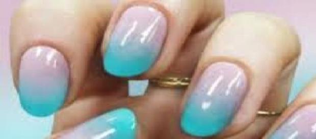 nuove nail art manicure sfumata la tendenza della primavera 2015