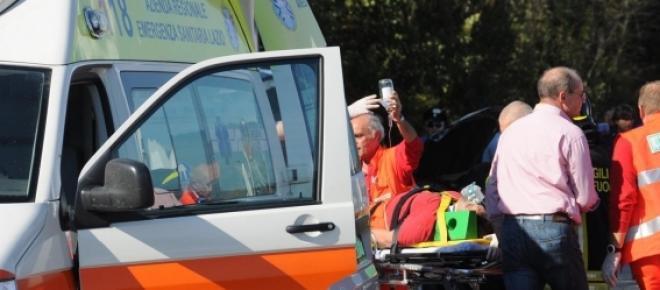 Franco Battiato cade sul palco, operato d'urgenza