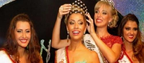 Miss Blumenau 2014 deixará a faixa para nova miss