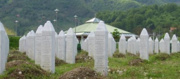 8.000 musulmans sont enterrés à Srebrenica.