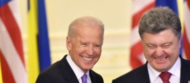 Joe Biden a discutat cu Petro Poroshenko