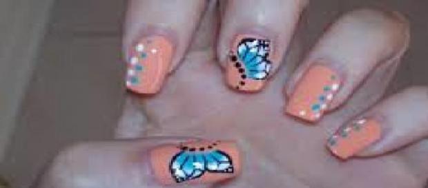 nuove nail art una manicure semplice ma d effetto per unghie