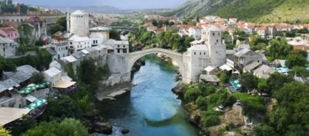 Panoramica di Mostar in Bosnia ed Erzegovina