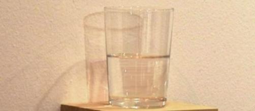 La obra 'Vaso de agua medio lleno'