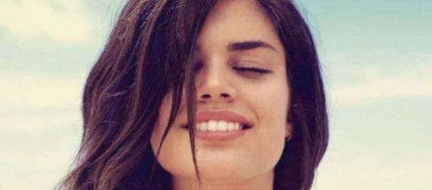 Sara Sampaio nasceu no Porto em 1991.