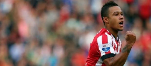 Spurs and United are ready to battle for Depay