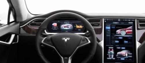 """Cuadro de mandos del Tesla """"S"""""""