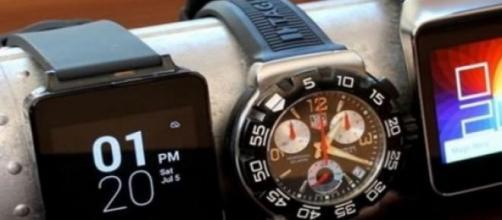Google, Tag Heuer e Intel sfidano Apple Watch