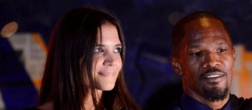 Katie Holmes por fin vuelve a sonreir