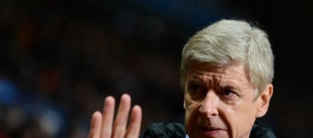 Arsene Wenger; buena prensa y discretos resultados