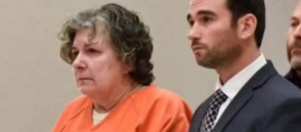 Loretta aguarda em reclusão pela extensão da pena