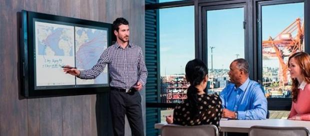 Surface Hub, dispositivo con pantalla multi-touch