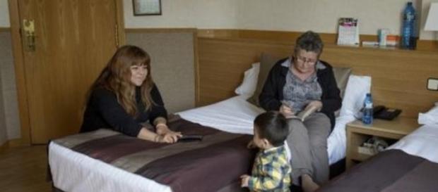 Las familias se quejan de seguir en el hotel