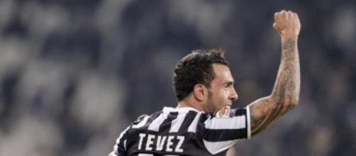 Carlito Tevez un gol da applausi