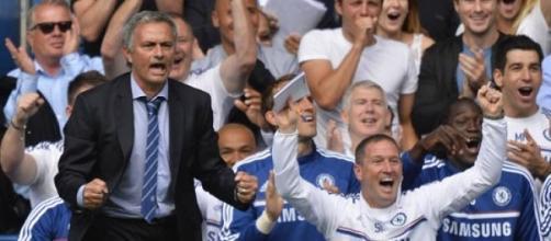 Mourinho com motivos para sorrir na Premier League