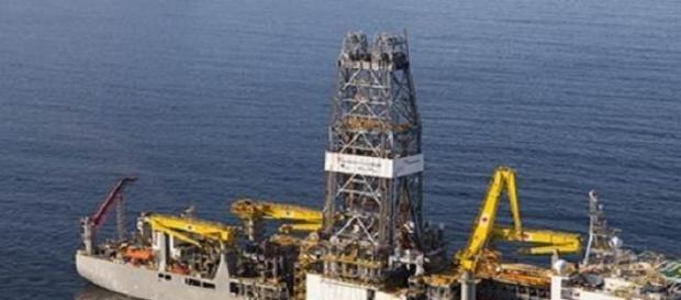 sonda petroliera de foraj marin