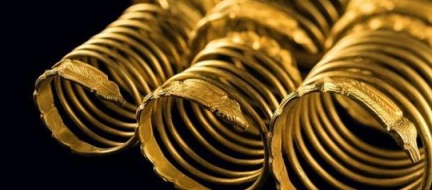 Bratari de aur dacice repatriate