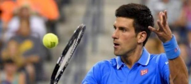 Djokovic l-a invins pe Federer