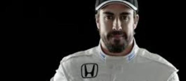 Fernando Alonso con su nuevo equipo McLaren-Honda