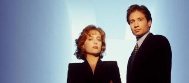 """Gillian Anderson e David Duchovny in """"X-Files"""""""