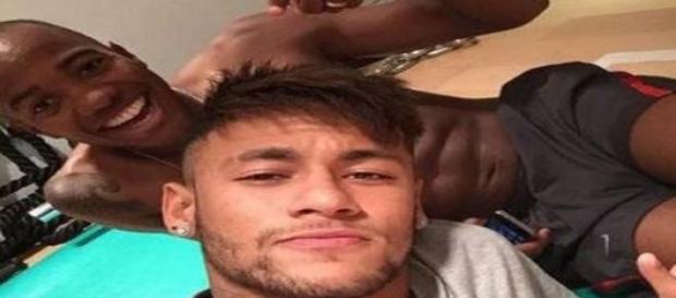 Victor Andrade mantém amizade com Neymar