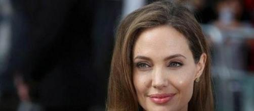 Angelina Jolie ha decidido extirparse los ovarios