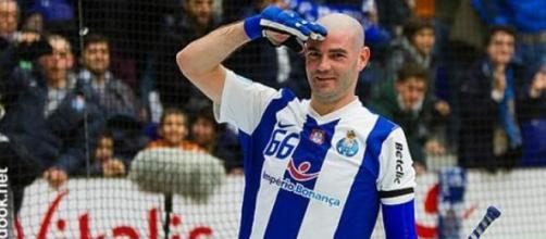 Reinaldo Ventura assina pelo Barcelos