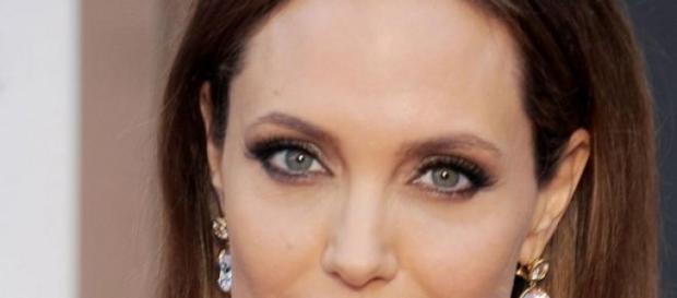 A actriz já tinha removido ambos os seios em 2013.