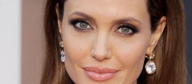 Angelina Jolie se somete a una nueva operación