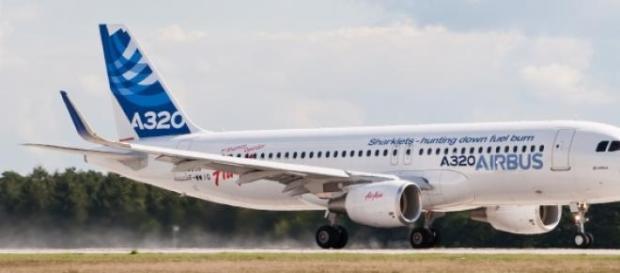 Avião cai em França e mata 148 pessoas.