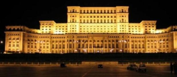 """Palatul Parlamentului, un """"monstru energetic"""""""
