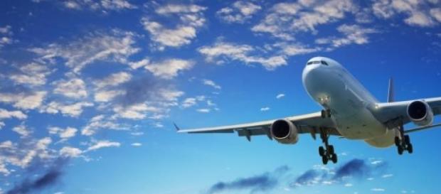Un avion s-a prabusit in Franta