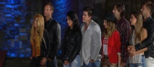 Karen hace llorar a Álex y Hernán
