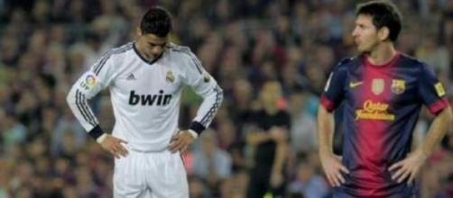Messi supera Ronaldo... em ganhos.