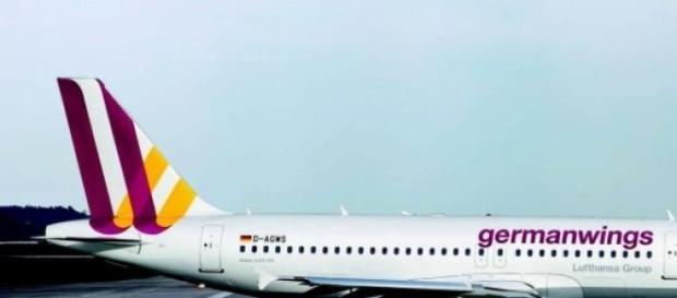 aereo precipitato in francia, nessun superstite