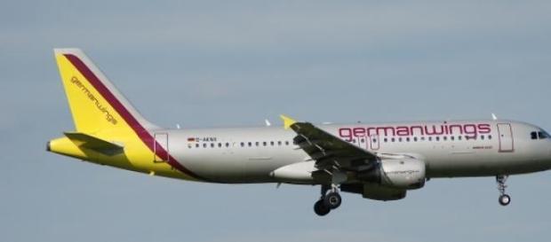 Avião caiu vitimando 150 pessoas