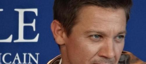Jeremy Renner foi chantageado pela ex-mulher