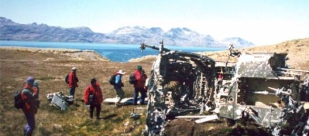A helicopter shot down during Falklands War