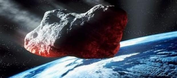 El asteroide 2014-YB35 acercándose a la Tierra