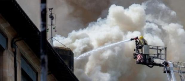 Incêndio começou ao início da tarde em Nova Iorque