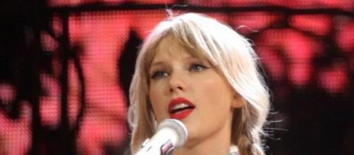 Taylor Swift vive una nueva aventura amorosa.
