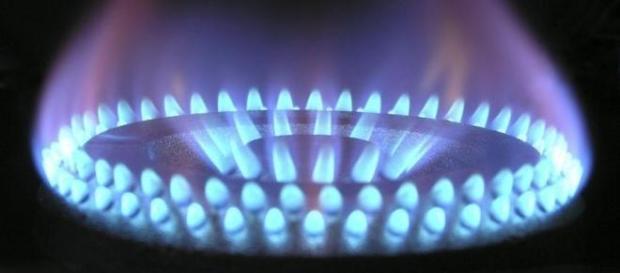 Bolletta luce e gas 2015: il risparmio aumenta
